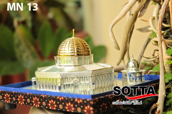 masjidil aqsa, miniatur masjid, miniatur kuningan,kerajinan kuningan, masjid al aqsa