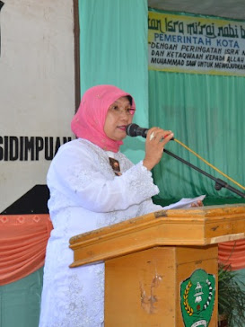 Ibu Wkl Ketua DPRD Kota Psp