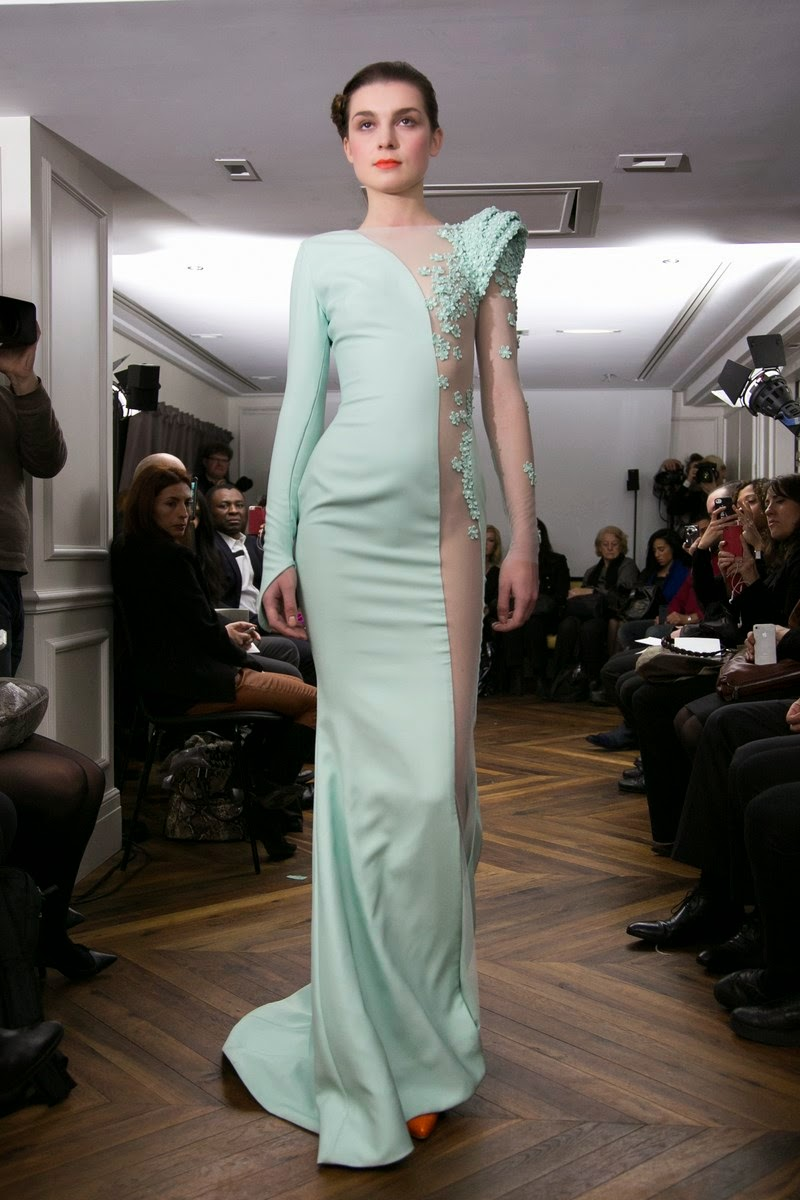 Tony-Yaacoub, Tony-Yaacoub-couture, printemps-ete, spring-summer, womenswear, mode-femme, fashion-week-paris, paris-fashion-week, fashion-week, robes, robe-cocktail, robe-grand-soir, robe-mariage, robe-bustier, sexy, robes-mousseline, robes-dentelle, couture, haute-couture, mode-a-paris, blog-mode-femme, blog-mode, sexy-dresses, robe-femme, robes-pas-cher, tenue-de-mariage, fashion-pictures, robes-de-soiree, robe-du-soir, du-dessin-aux-podiums