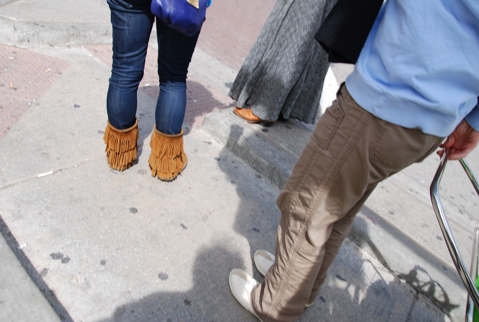 Philinphlash Public Eye Feet On The Street First Step