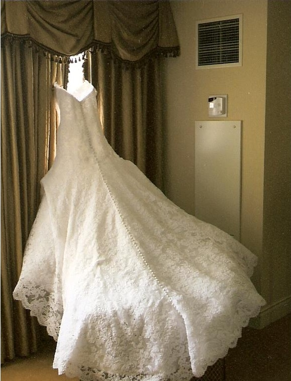 Overdose celebrity royal wedding gowns part 2 for Jessica simpson wedding dress