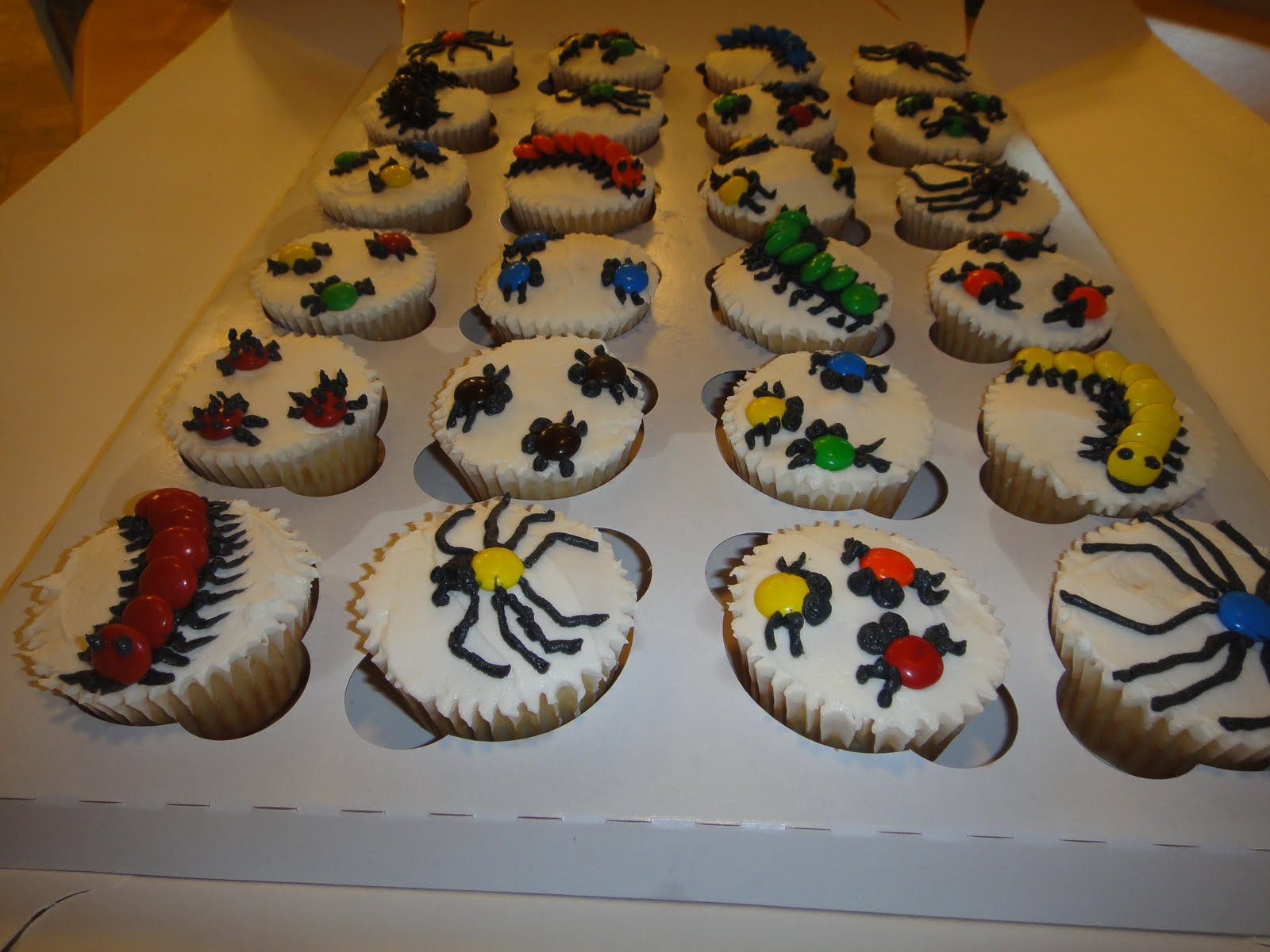 Creepy Crawly And Reptile Cakes Super Cute Lizard Cake Picture By Cake ...