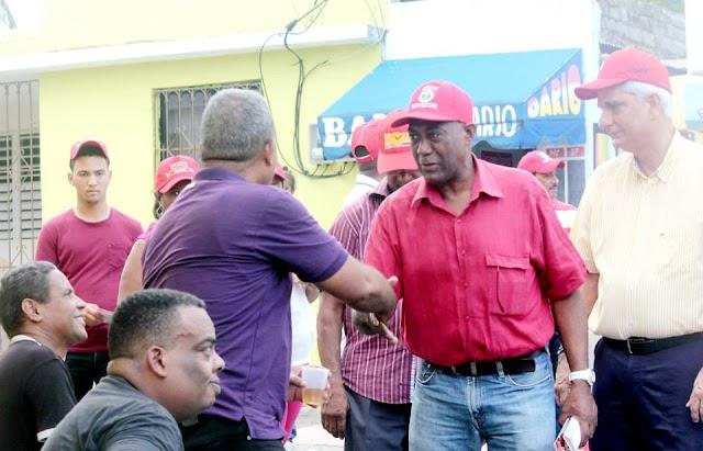 Candidato a Diputado PRSC periodista Wilson Guerrero recorre sectores Samto Domingo Este