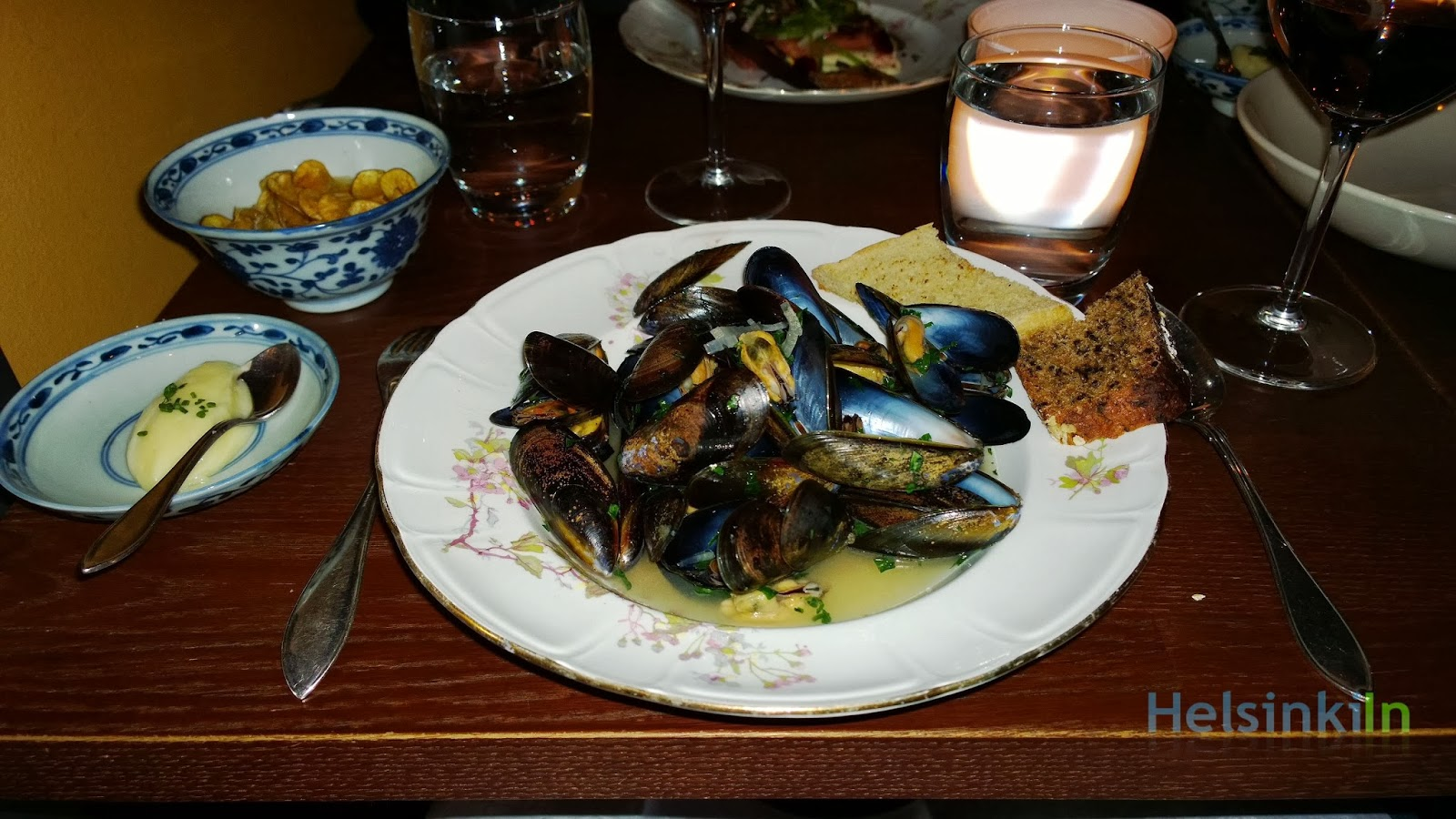 mussels with homemade potato chips at Ravintola Kolo