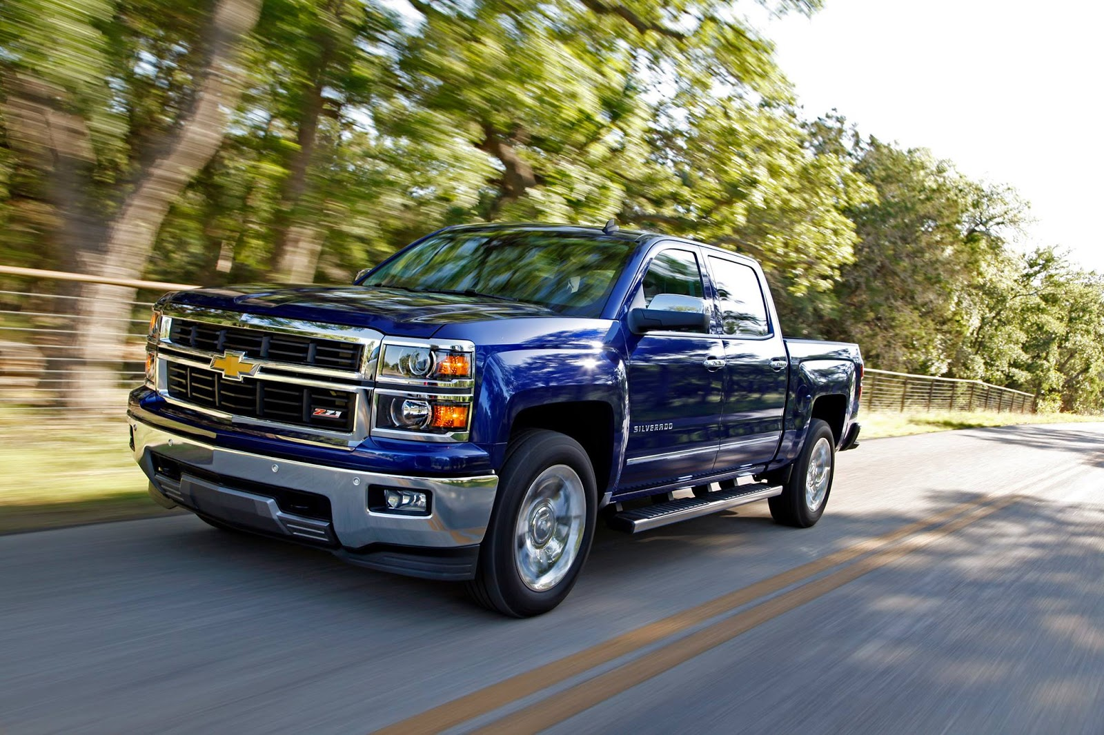 2014 Chevy Silverado 1500 First Pickup Ever to Receive Highest Possible Safety Rating