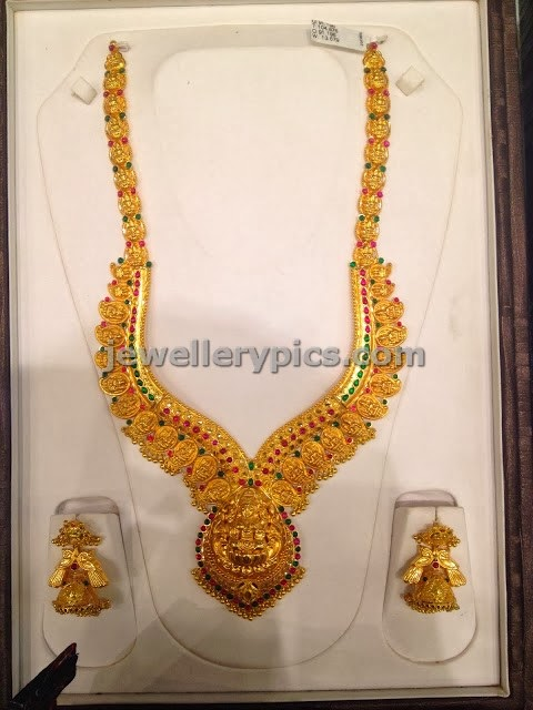 temple gold long chain with vanki model mango clasps