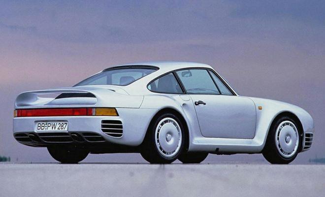 1987 Porsche 959 rear view
