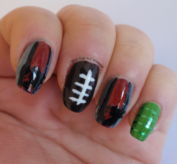 The nail art blogger american football themed nail art enschede i started off with a base coat using the xxl nail protector from essence then i painted my thumb and pinky green index and ring finger gray prinsesfo Gallery
