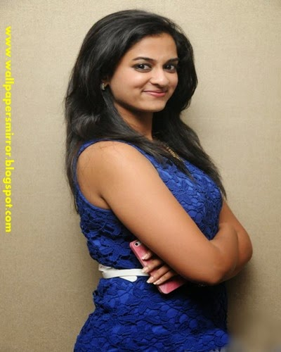 actress nanditha hot photo gallery