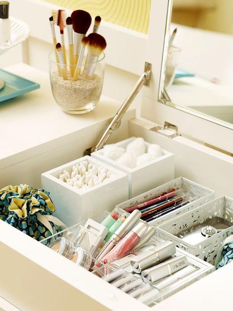 bedroom drawer storage
