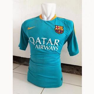 gambar photo kamera jersey training Barcelona warna biru tosca terbaru musim 2015/2016