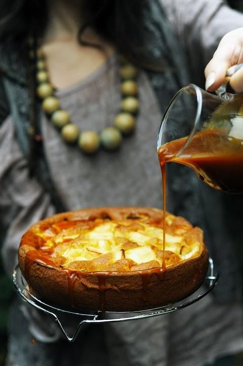 Et si le cidre devenait notre ami pendant les fêtes ? Gâteau aux pommes et cidre au caramel au beurre salé et au… cidre !!!