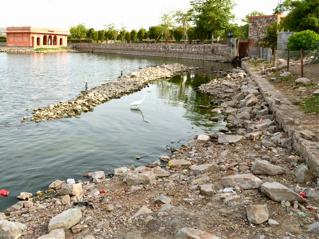 side boundary of Jal Mahal