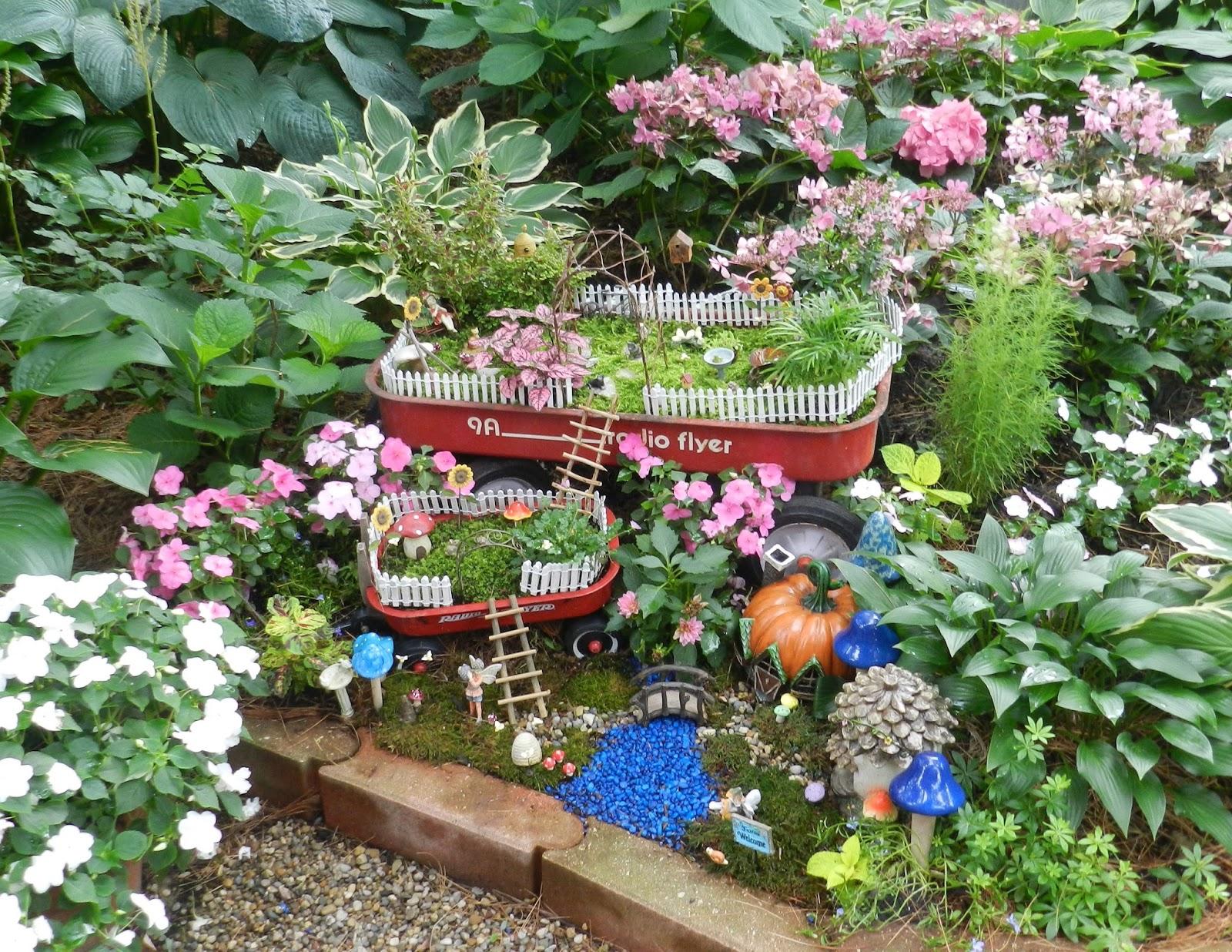 Prairie rose 39 s garden big ideas in small spaces garden for Creating a small garden