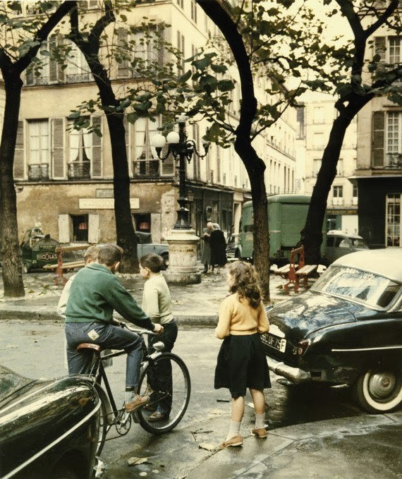 Vintage Everyday Amazing Color Photographs Of Daily Life