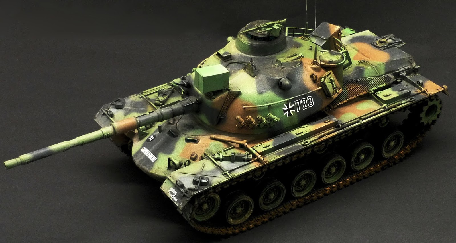 1/35 M48 A3 Patton (Tamiya) improved with Eduard and RBmodel parts ...