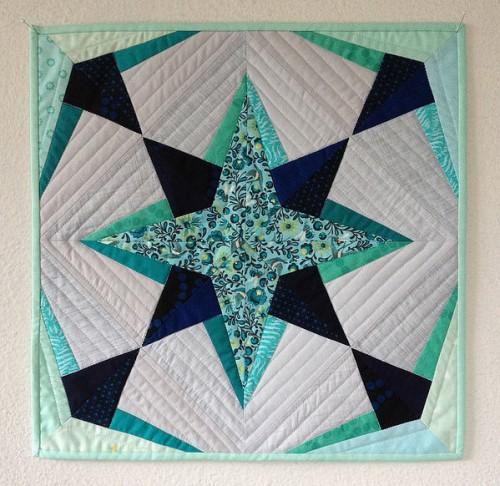 Schnitzel Star Mini Quilt - Free Pattern