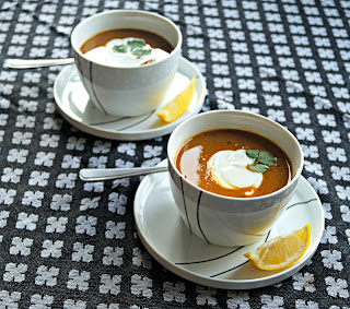 http://cupcakeluvs.blogspot.dk/2015/10/spicy-daal-suppe-med-rd-linser-spicy.html