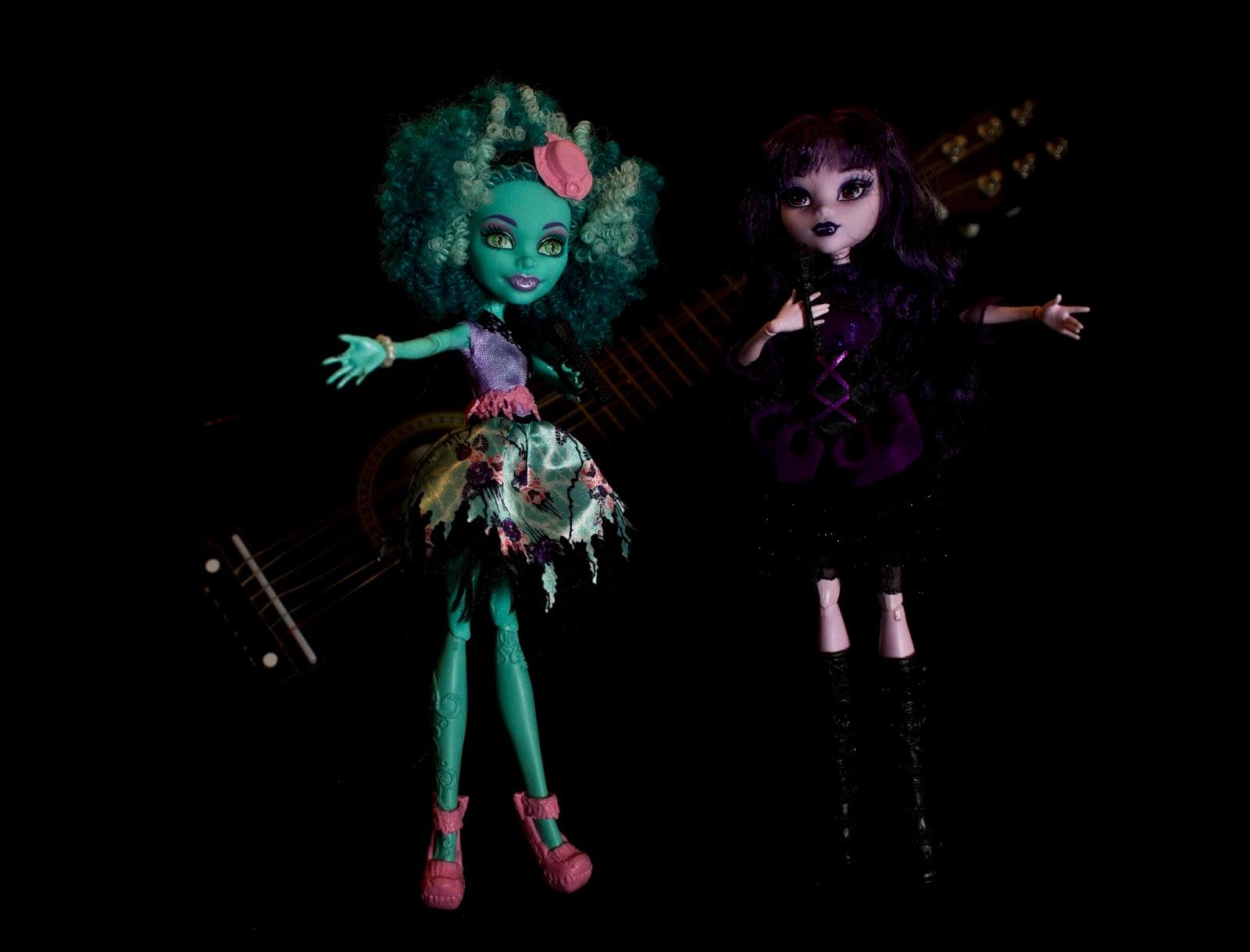 dolls in musical death concert