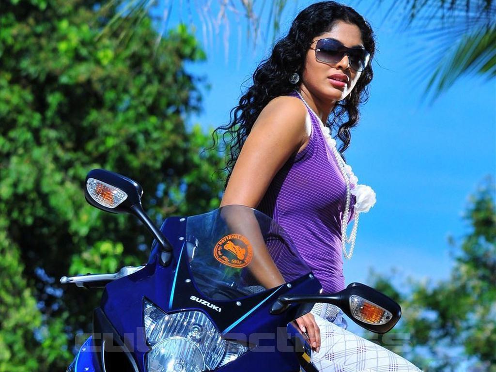 Rima Kallingal Hot
