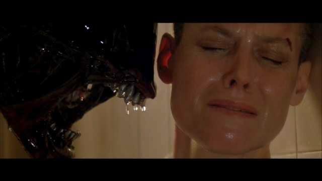 Ellen Ripley (por Sigourney Weaver en la saga alien)