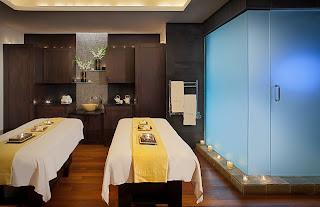 Acqualina treatment room