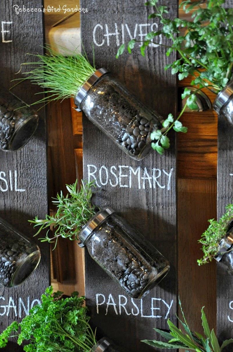 Rebecca 39 S Bird Gardens Blog Diy Mason Jar Vertical Herb