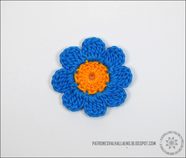Medium Crochet Flower Pattern : How to Crochet an eight-petal flower PATRONES VALHALLA ...