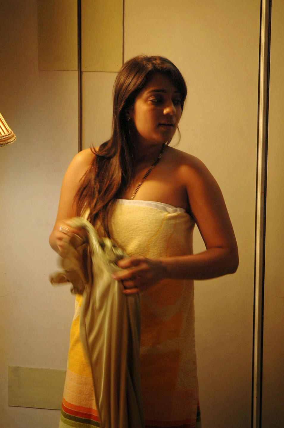 Nikitha Hot Photo HD Galleryz from  Apartment Telugu Movie ,N, Nikitha, Nikitha Hot images, Telugu Movie Actress, Hot Images, Tollywood Actress, HD Actress Gallery, latest Actress HD Photo Gallery, Latest actress Stills, Indian Actress, Actress HD Photo Gallery,