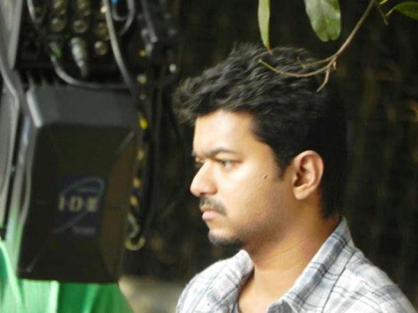 Latest Thuppaki Vijay