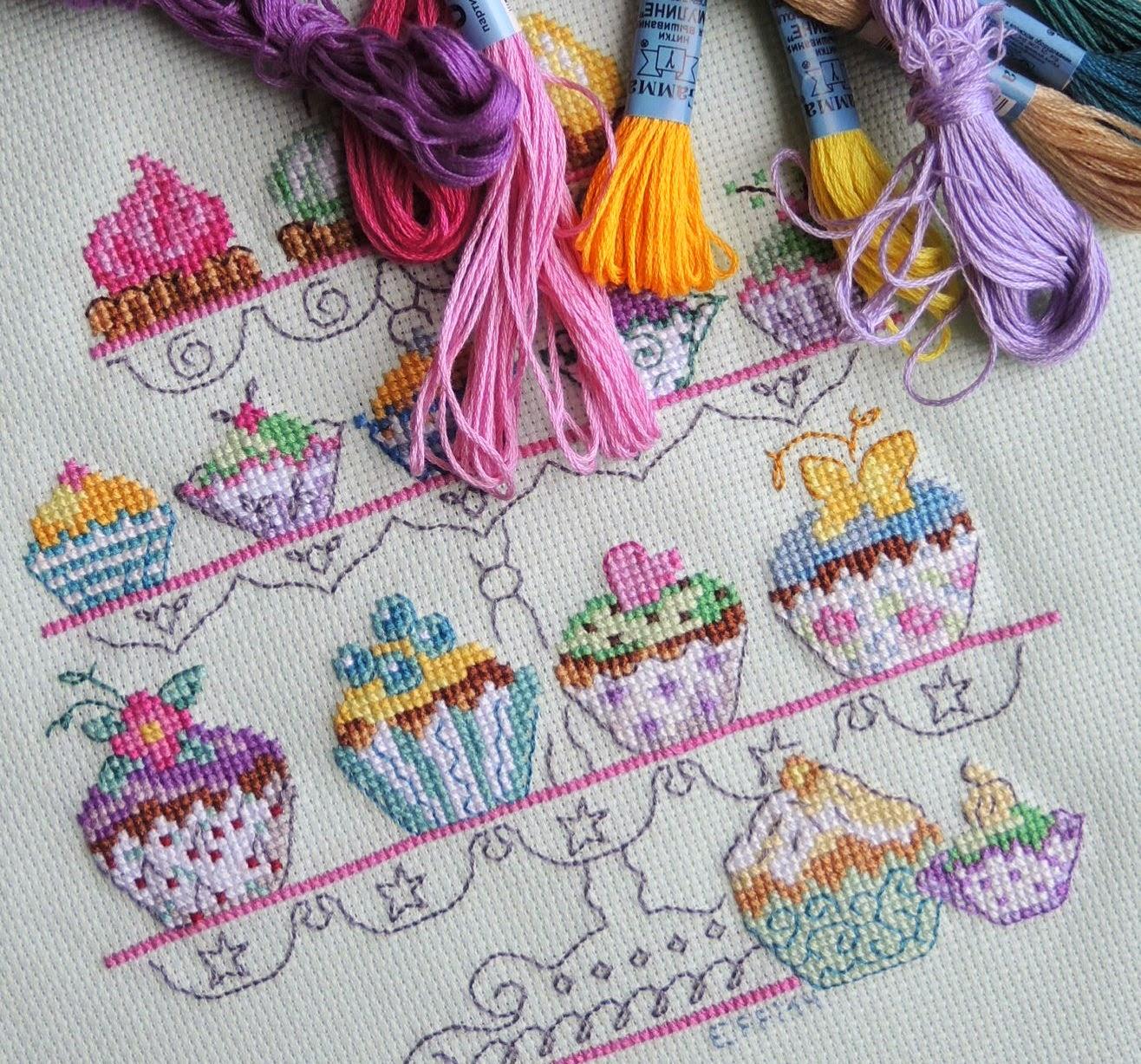 вышивка, пирожные