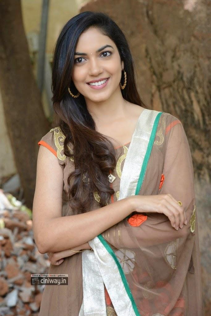 Actress-Ritu-Varma-Stills-at-Sri-Charan-Karthikeya-Movies-Movie-Opening