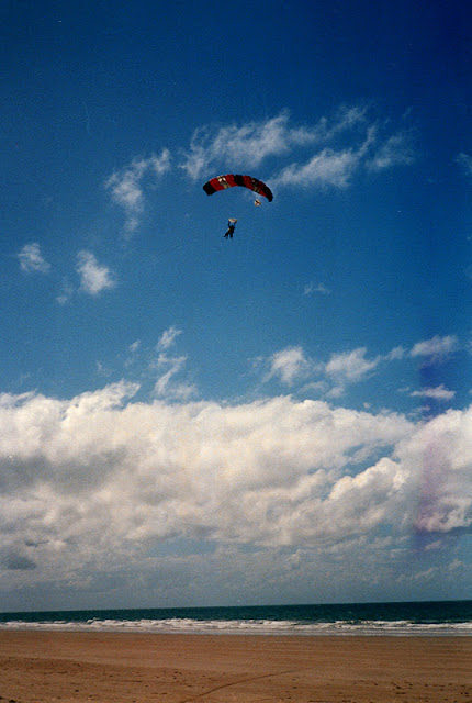 sky diving australia