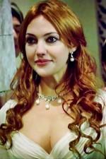 حياة الممثلة التركية مريم أوزرلي Meryem Sarah Uzerli