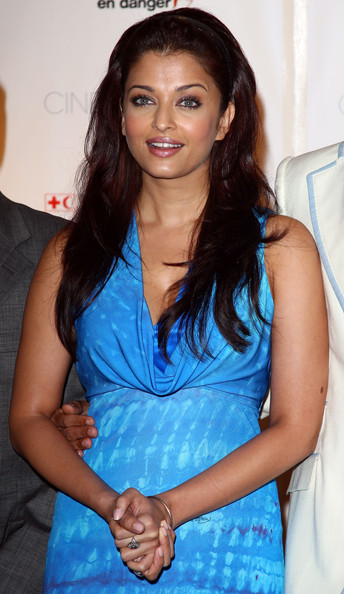 Aishwarya Rai Latest Hairstyles, Long Hairstyle 2011, Hairstyle 2011, New Long Hairstyle 2011, Celebrity Long Hairstyles 2212