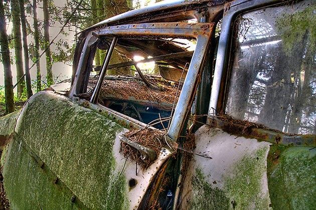 Chatillion-Car-Graveyard-2