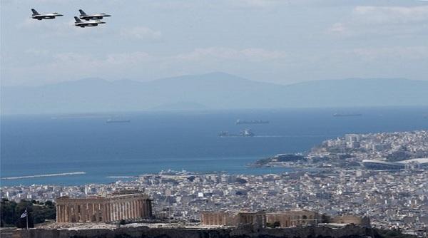 Γιατί πέταξαν τέσσερα μαχητικά πάνω από την Αθήνα;