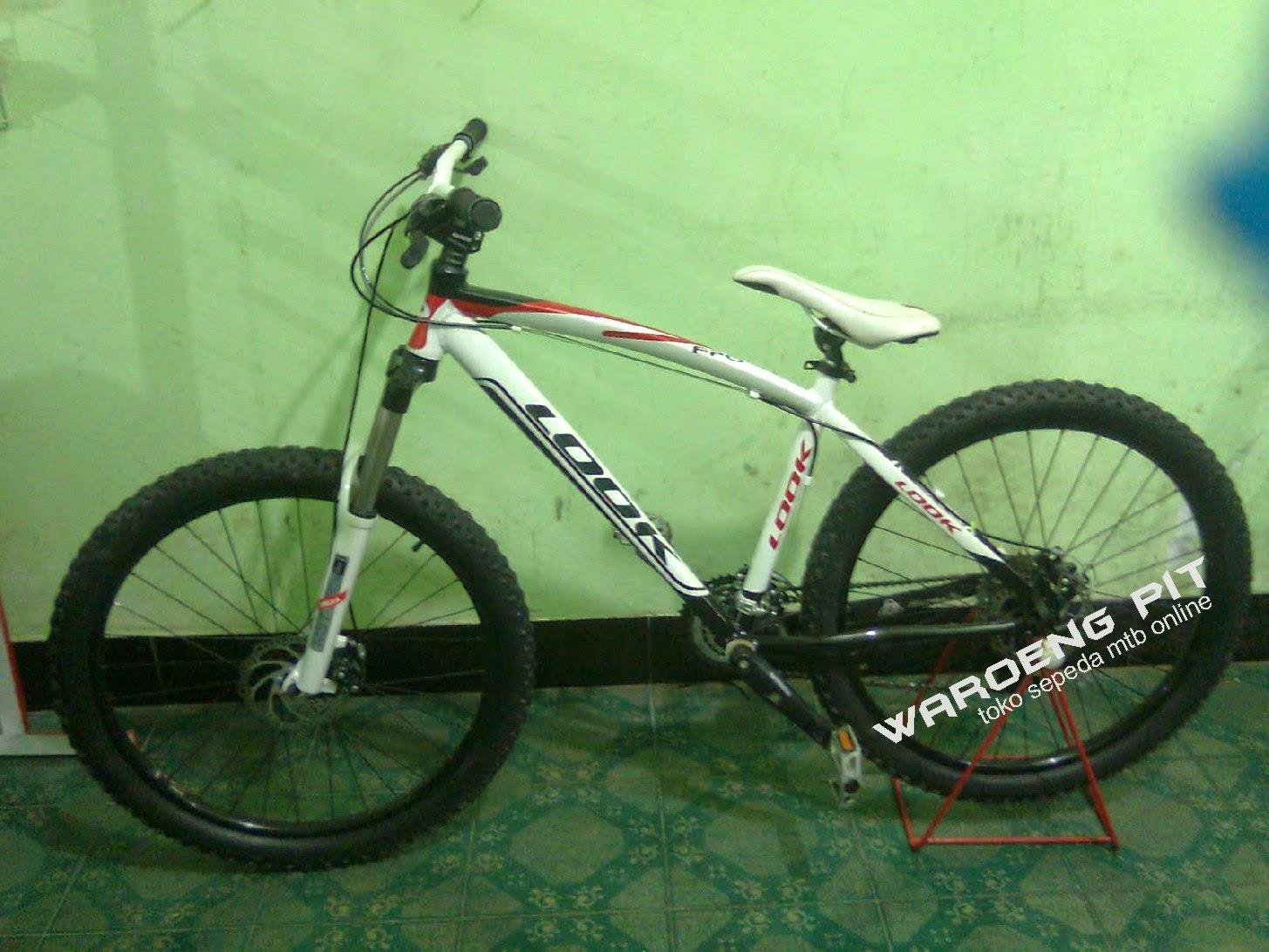 jual sepeda gunung mtb bekas look putih merah hitam full bike harga terjangkau dengan spare part suku cadang lumayan xc country  waroengpit