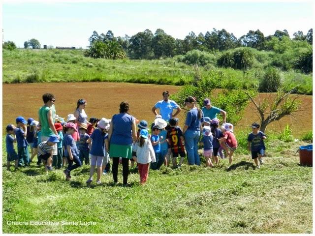 Docentes y alumnos - Chacra Educativa Santa Lucía
