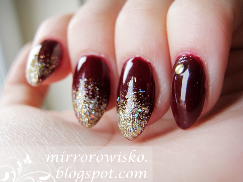 http://mirrorowisko.blogspot.co.uk/2014/12/christmas-mani-2-tinsel.html