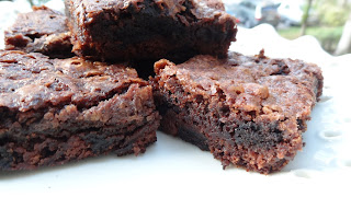 Brownies cu biscuiti oreo