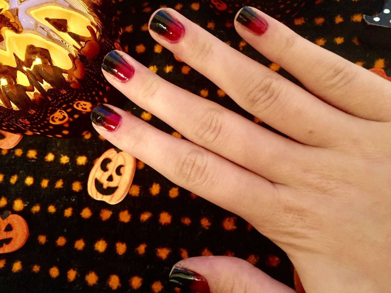 BLOGTOBER DAY 2: EASY HALLOWEEN NAILS | Being Heather