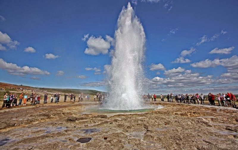 Strokkur is a fountain geyser in the geothermal area beside the Hvítá River in Iceland in the southwest part of the country, it is located near the capital Reykjavik, Strokkur is one of the most famous active geyser and European country.