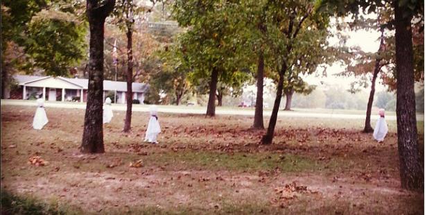 halloween yard decorations, ghosts