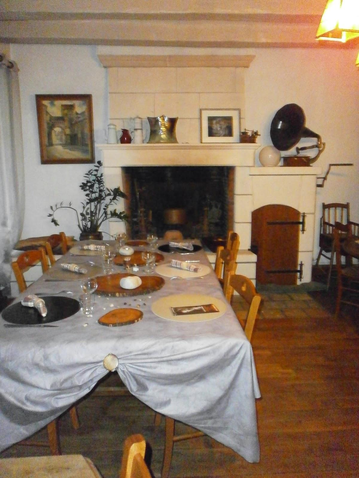 Le pigeonnier salle manger table d 39 h tes - Chambre d hote le pigeonnier ...