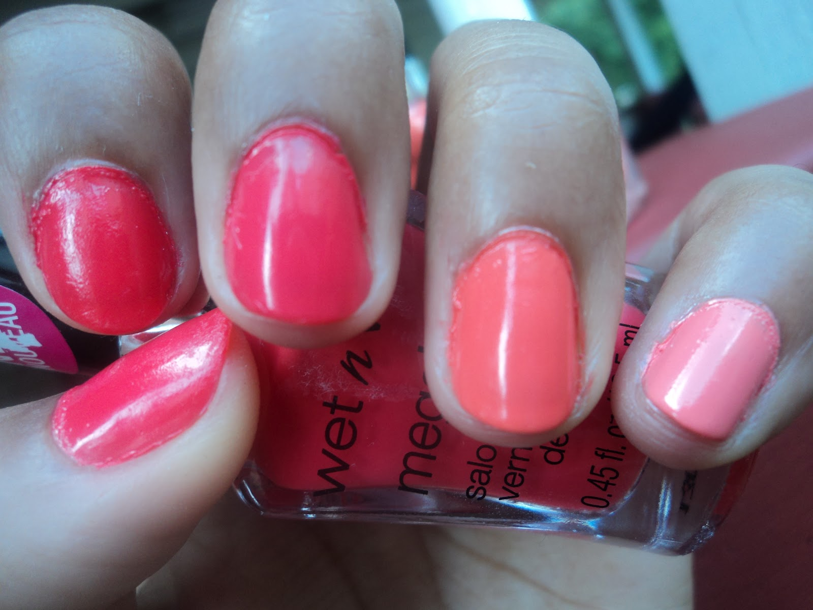 Sketched and Beautymarked: Ombre Orange/Coral Nails!