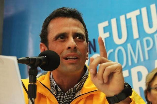 Capriles llama a la movilización es el momento