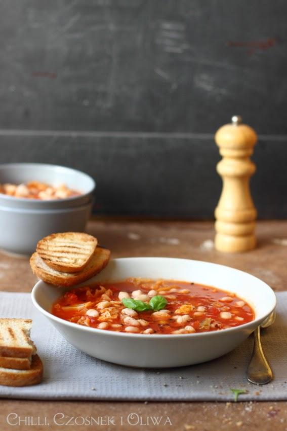 zupa z kapusta i fasola pomidorowa jesien