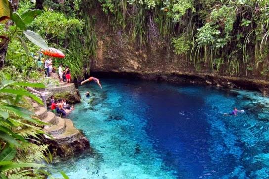 Río Encantado (Hinatuan, Filipinas).