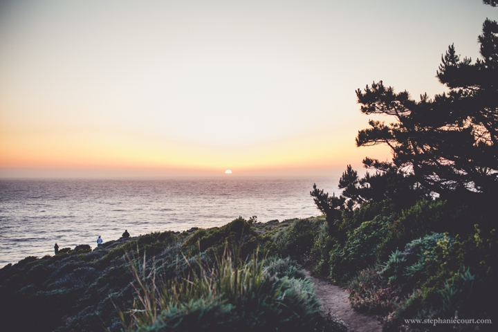 carmel-beach-sunset-engagement-photos